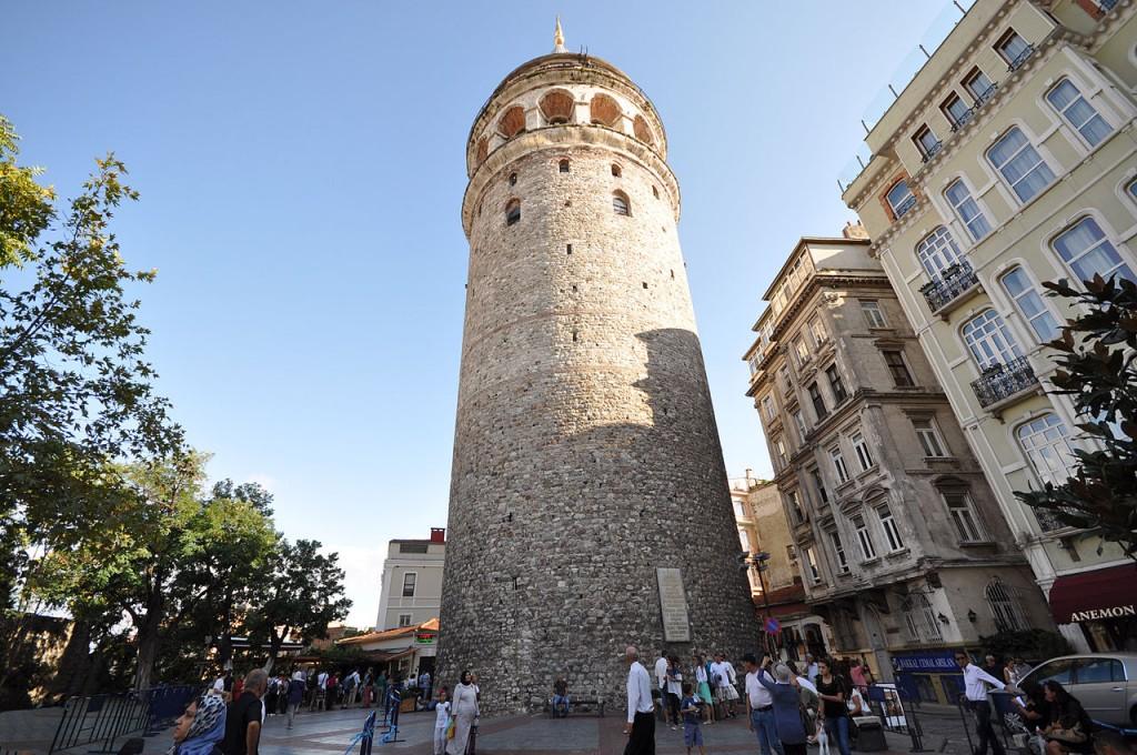 1280px-Galata_Tower_(67m.)