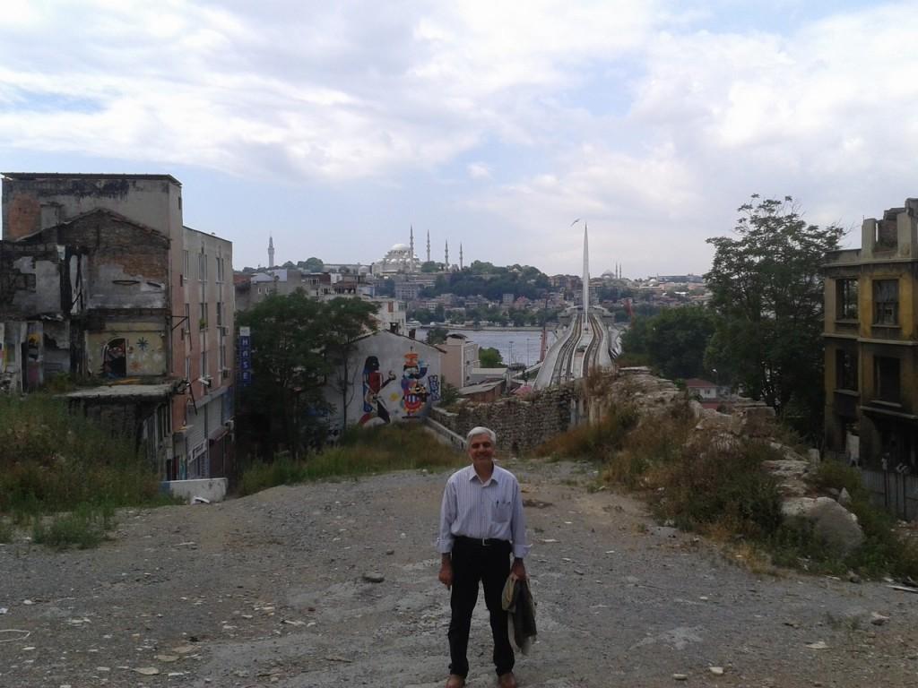 En son kalan Galata Surlarından İstanbul'a bakış