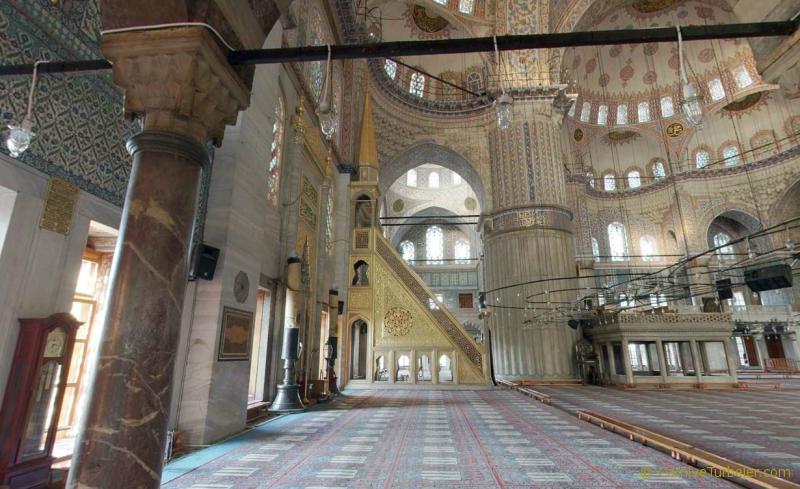 Sultan_ahmet_camii_ici_resim_5-800x489